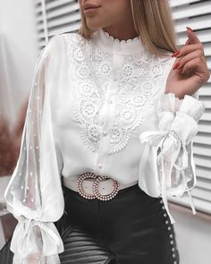 Trend Fashion, Look Fashion, Womens Fashion, Blouse Styles, Blouse Designs, Professional Outfits, White Fashion, Blouses For Women, Ideias Fashion