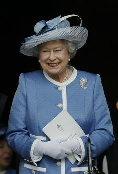 HM The Queen  So, seriously, are her outfits planned a year in advance for the ALL to coordinate to the minutest detail? Truly incredible!