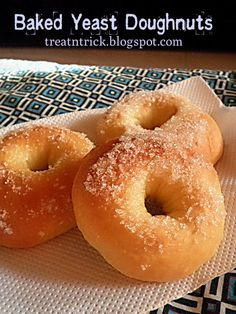 Healthy Doughnuts, Yeast Donuts, Baked Doughnuts, Delicious Donuts, Recipes With Yeast, Pastry Recipes, Sweet Recipes, Dessert Recipes, Eggless Desserts