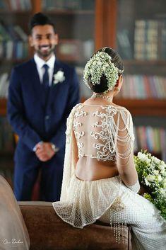 Beautiful Bridesmaid Saree, Wedding Saree Blouse, Saree Dress, Bridal Dress Design, Bridal Style, Christian Wedding Sarees, Bridal Dresses, Wedding Gowns, Srilankan Wedding