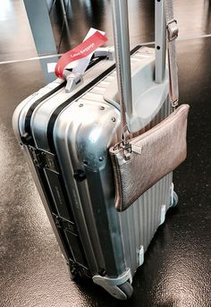 the perfect traveling combination & Rimowa, Clutch, Mini Bag, Suitcase, Traveling, Handbags, Viajes, Trips, Briefcase