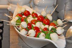 Tomate - Mozzarella - Sticks, ein tolles Rezept aus der Kategorie Snacks und kleine Gerichte. Bewertungen: 141. Durchschnitt: Ø 4,4.