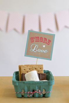 DIY the ultimate wedding s'mores bar with a free printable PDF!