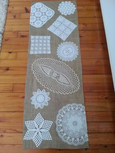 Discover recipes, home ideas, style inspiration and other ideas to try. Table Runner And Placemats, Crochet Table Runner, Burlap Table Runners, Quilted Table Runners, Doilies Crafts, Crochet Doilies, Home Crafts, Diy And Crafts, Doily Art