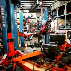 Our service is always delivering great quality service to mowers and machines of all kinds. #mowers #blowers #trimmer #weedeaters #generators #tillers #zeroturns #toro #wright #simplicity #exmark #snapper #snapperpro #allkindsofsmallengineequipment