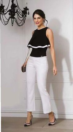 Black top and white pants 👖 ❤️👍 Date Outfits, Spring Outfits, Office Outfits, Stylish Outfits, Blouse Styles, Blouse Designs, Casual Chic, Casual Wear, Black White Fashion