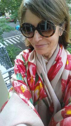 chal o fular de seda de flores con forro Julunggul Hecho en España. Made in Spain, silk scarves and shawls