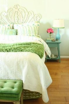 Invigorating Monochromatic Room Interior Home Styles: Rustic Bedroom Green Bedding Accents With Tufted Footboard Design On Hardwood Floor An. Bedroom Green, Bedroom Colors, Dream Bedroom, Home Bedroom, Girls Bedroom, Bedroom Decor, Green Bedding, Bedroom Photos, Pretty Bedroom