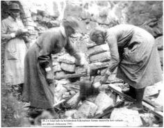 kannas - Lotta women cooking the first coffee right after Käkisalmi was taken back, August 1941.