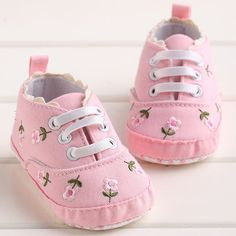 Cheap baby shoes, Buy Quality toddler baby shoes directly from China autumn baby shoes Suppliers: kidadndy Baby Toddler Baby shoes Autumn New White Flowers Printed Elastic Baby Shoes Female Wholesale Shoes, Wholesale Fashion, Fall Shoes, Summer Shoes, Korean Fashion Street Casual, Baby Toms, Reborn Baby Dolls, Childrens Shoes, Baby Booties