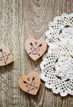 Customized wedding heart & arrow wood magnet favors