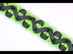 Survival Paracord Bracelet - Crooked River Design AKA. Snake in the Grass - BoredParacord