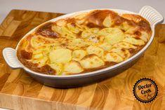 "Gratinované brambory ""dauphinois"" a jeho deriváty — Doctor Cook Hawaiian Pizza, Cauliflower, Vegetables, Food, Cauliflowers, Essen, Vegetable Recipes, Meals, Cucumber"