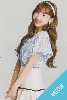 Twice Nayeon Candy Pop Oh My Girl Yooa, New Girl, Kpop Girl Groups, Korean Girl Groups, K Pop, Twice Songs, Twice Jyp, Candy Pop, Nayeon Twice