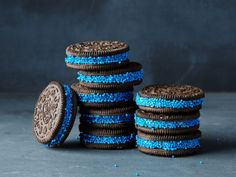 Carolina Panthers : This candy craft is super-easy: Simply roll chocolate-sandwich cookies in round candy sprinkles and stack them for guests. The harder part is finding just the right shade of blue.