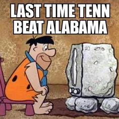 Alabama Football Quotes, Football Jokes, Sec Football, Crimson Tide Football, Football Girls, Alabama Tennessee, Tennessee Football, Alabama Crimson Tide, Alabama Baby