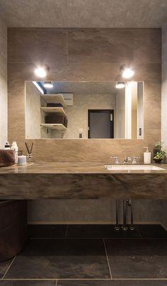 【洗面室】 大理石を使用した造作洗面台、グレーとブラックのタイルで統一された高級感あふれる空間に。 House, Interior, Lighted Bathroom Mirror, Bedroom Interior, House Plans, Dressing Room, House Interior, Renovations, Bathroom Design