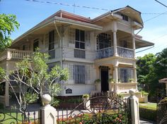 Image detail for -The first ancestral house in Silay to welcome tourists it houses . Filipino Architecture, Philippine Architecture, Art And Architecture, Filipino House, Philippine Houses, Asian House, Tropical Houses, Old Buildings, Moorish
