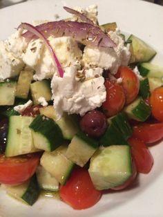 ギリシャ風 サラダ オリーブオイルとバルサミコ