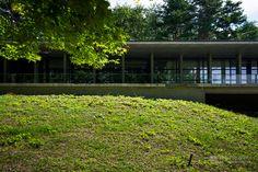 Aomori Comtemporary Art Centre (国際芸術センター青森). /  Architect : Tadao Ando (設計:安藤忠雄建築研究所).