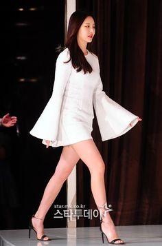 [포토] 걸스데이 유라, 완벽한 각선미 워킹