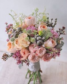 A pretty spring wedding bouquet.