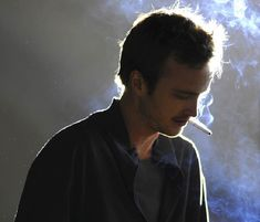 Image uploaded by αℓicє's. Find images and videos about smoke, breaking bad and jesse on We Heart It - the app to get lost in what you love. Jesse Pinkman, Jessie, Breaking Bad Jesse, Breakin Bad, When I See You, Walter White, Pretty Little Liars, American Horror, Find Image