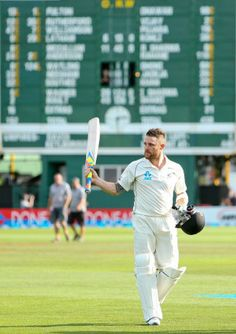 Brendon McCullum, on 281*, walks back after batting the entire day, 4th day, Wellington, February 17, 2014