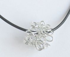 Simple wire necklace