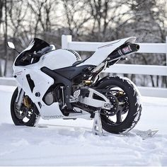 CBR 600 RR in the snow, it's pretty Super Bikes, Honda Motorcycles, Cars And Motorcycles, Custom Motorcycles, Custom Sport Bikes, Cbr 600rr, Ride Out, Honda Cbr 600, Yamaha R6