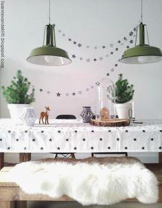Christmas table--- incorporating fur. I love.