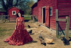 Katy Perry rules the roost in Valentino Haute Couture. Vogue 2013 - Annie Leibovitz