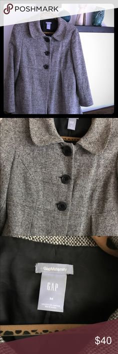 Gap maternity coat, adorable and very good shape!! Gap maternity coat, adorable and very good condition! 🤰 GAP Jackets & Coats