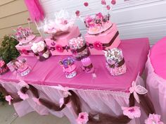 Pink and Brown Daisy Candy Table
