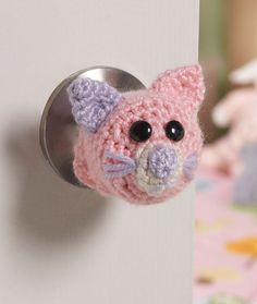 Kitty Doorknob Cozy Free Crochet Pattern from Red Heart Yarns