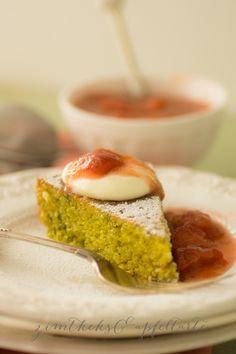 Pistachio-Cocos-Tarte Pistazien-Kokos-Tarte mit Vanille-Sahne