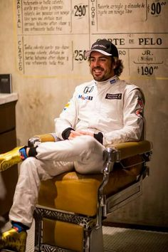Fernando Alonso Team: McLaren Nationality: Spanish Born: 29/07/81, Oviedo Grand prix debut: Australia, 2001 Previous teams: Minardi, Renault, McLaren, Ferrari Races: 253 World Championships: 2005, 2006 Career wins: 32 Career pole positions: 22