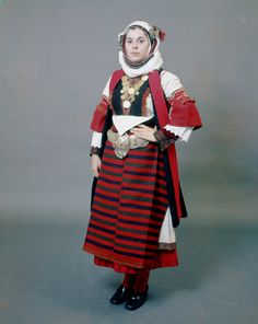 "Festive costume known as ""Paesana"" from Asvestochori, Thessaloniki. Peloponnesuan Folklore Foundation."