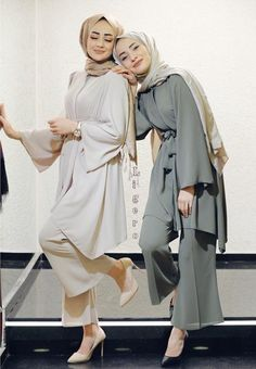 Tunic Set Style Ideas Will Make You Look Elegant Forever – Hijab Fashion Modest Fashion Hijab, Modern Hijab Fashion, Street Hijab Fashion, Muslim Women Fashion, Casual Hijab Outfit, Hijab Fashion Inspiration, Mode Inspiration, Hijab Chic, Moda Hijab