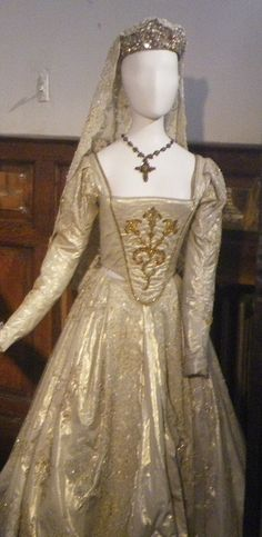 Katherine Howard's White Gown ( The Tudors, 2007).