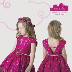 Para arrancar suspiros !! #miobebe #colecaoverao2015 #vestidoinfantil #luxo #requinte #princesa #modainfantil #guirlanda #estampas #floral #grife #fashion #kids