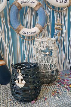 Άσπρα και μπλε φανάρια για καλοκαιρινή διακόσμηση  #summerdecoration #DIYdecoration #DIYsummer_decoration #καλοκαιρινη_διακοσμηση #barkasgr #barkas #afoibarka #μπαρκας #αφοιμπαρκα #imaginecreategr