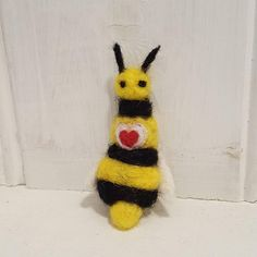 Bee gift, Felted Bee brooch pin, Needle felted Bee, Bee lover gift, OOAK needle felted gift, Adorable felted Bee brooch for her, Nature gift