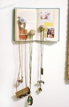 book accessory hanger...how to...for the book lover...