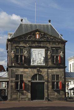 De Waag, Built by Pieter Post in 1668