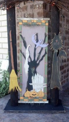 Haunted_Spooky_Tree_Set_Closeup.jpg (437×775)