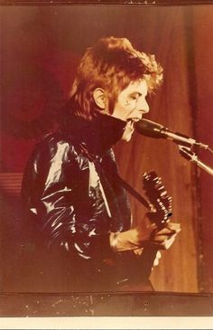 All The Nobody People The Velvet Underground, The Rolling Stones, Iggy Pop, George Harrison, Glam Rock, David Jones, Ziggy Played Guitar, Mick Ronson, David Bowie Ziggy