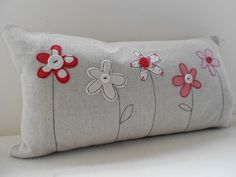 Flower Applique Cushion More Applique Cushions, Sewing Pillows, Diy Pillows, Decorative Pillows, Handmade Cushion Covers, Handmade Cushions, Freehand Machine Embroidery, Free Motion Embroidery, Sewing Crafts