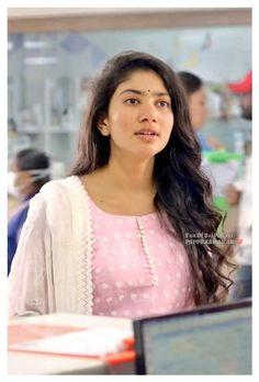 Indian Bollywood Actress, Bollywood Girls, Indian Actresses, Cute Celebrities, Celebs, Sai Pallavi Hd Images, Punjabi Suit Neck Designs, Cute Little Girl Dresses, Actors Images