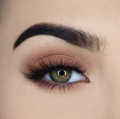Eye Makeup Tips.Smokey Eye Makeup Tips - For a Catchy and Impressive Look Makeup Goals, Makeup Inspo, Makeup Inspiration, Makeup Tips, Beauty Make-up, Tips Belleza, Eyeshadow Looks, Matte Eyeshadow, False Eyelashes